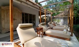 location villa sungai canggu 10
