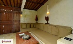 louer villa cantik tanah lot seseh 18