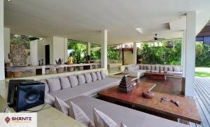 louer villa makanda tanah lot seseh 15