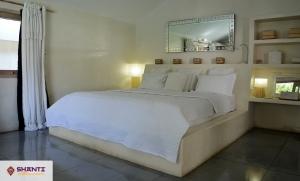 villa putih bali 22