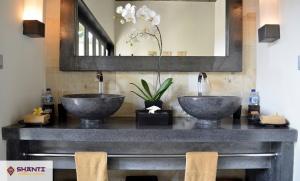 villa rumah lotus bali 24