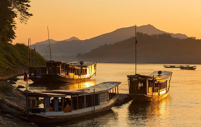Nong Khiau - Luang Prabang via Pak Ou et croisière fluviale