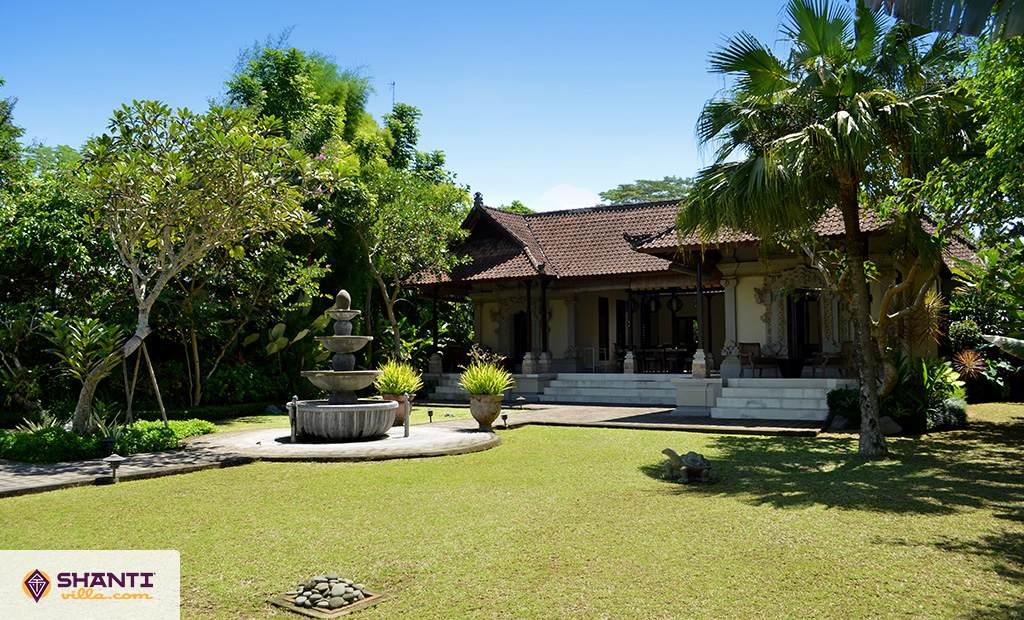villa cemadik ubud location villa ubud bali. Black Bedroom Furniture Sets. Home Design Ideas
