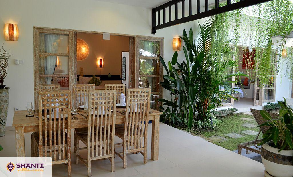 villa pertiwi kerobokan location villa kerobokan bali. Black Bedroom Furniture Sets. Home Design Ideas