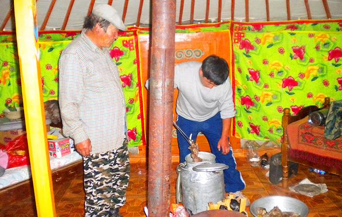Bituutyin Gol - Sources de Khytrunii - Campement des éleveurs