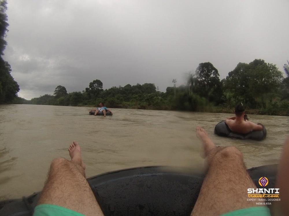 Tubing, descente de la rivière en bouée