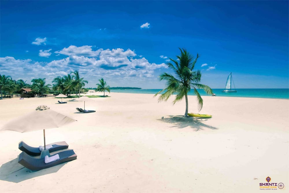 Ugabay beach, Sri Lanka