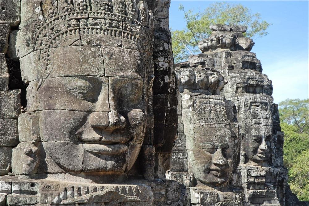 Angkor et ses visages souriants