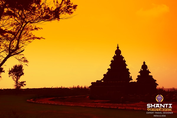 Tamil_Nadu_Mahabalipuram_Shore_Temple_Sunset