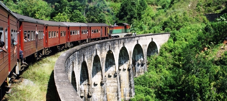 Sri_Lanka_train_bridge