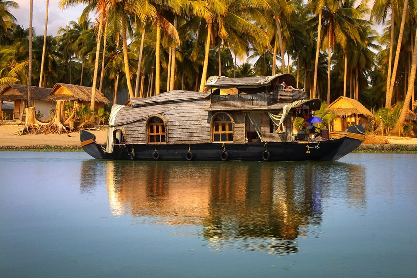 Houseboat on the backwaters - Periyar