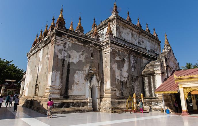 Bagan - Marché de Nyaung U, temples de Manuha