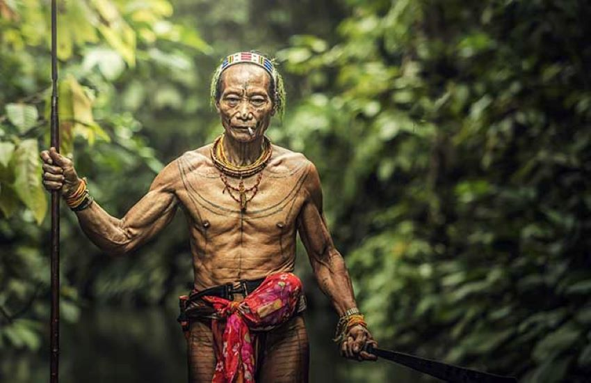 Mentawaï & ses hommes-fleurs