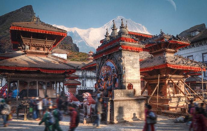 Arrivée à l'aéroport international de Tribhuwan à Katmandou